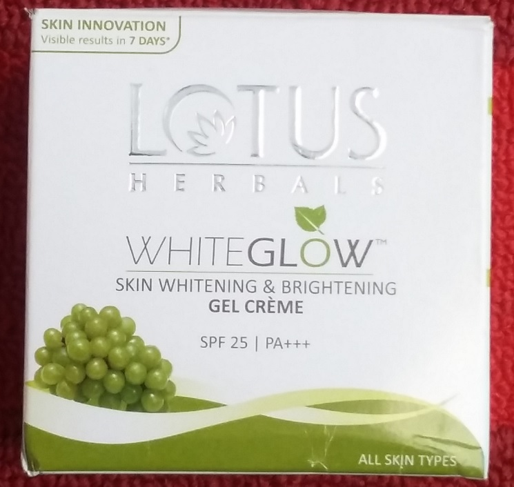 Lotus Whiteglow Skin Whitening Creme Packaging